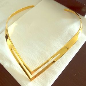 Beautiful Gold V Choker Necklace 💫